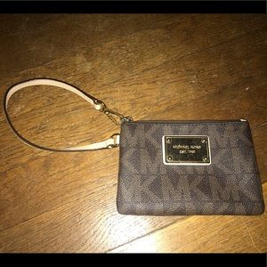 NWOT Michael kors brown wristlet